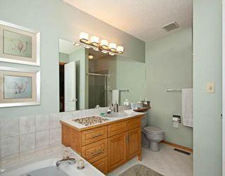 Photo 9: 18 SUNLAKE Manor SE in CALGARY: Sundance Residential Detached Single Family for sale (Calgary)  : MLS®# C3394504