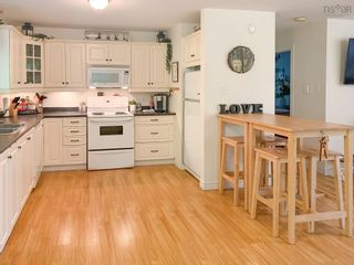 Photo 8: 28 BEECHWOOD Drive in Conquerall Mills: 405-Lunenburg County Residential for sale (South Shore)  : MLS®# 202124292