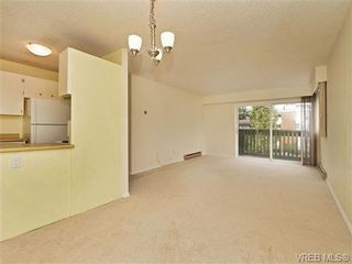 Photo 4: 308 1525 Hillside Ave in VICTORIA: Vi Oaklands Condo for sale (Victoria)  : MLS®# 707337