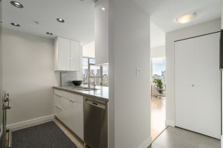 Photo 9: 3210 928 BEATTY STREET in Vancouver: Yaletown Condo for sale (Vancouver West)  : MLS®# R2463696