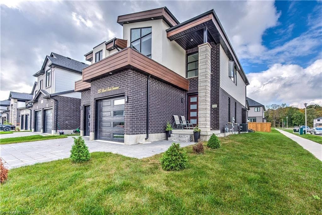 Main Photo: 2357 BLACK RAIL Terrace in London: South K Residential for sale (South)  : MLS®# 40176617