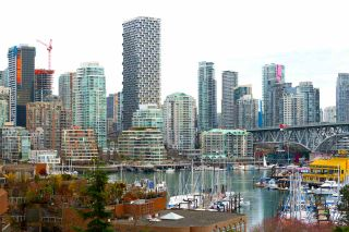 """Photo 12: 601 1450 PENNYFARTHING Drive in Vancouver: False Creek Condo for sale in """"HARBOURSIDE COVE"""" (Vancouver West)  : MLS®# R2549398"""