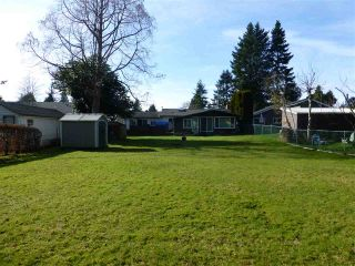 Photo 1: 1570 BISHOP Road: White Rock House for sale (South Surrey White Rock)  : MLS®# R2438304
