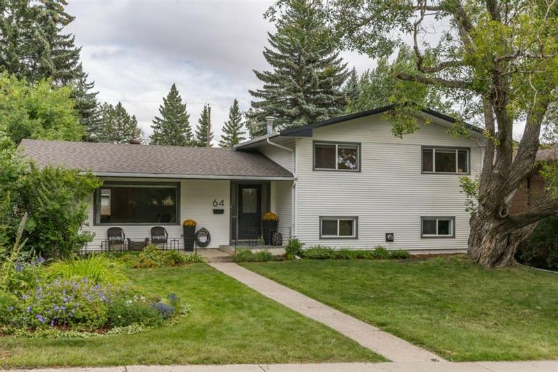 FEATURED LISTING: 64 Rosevale Drive Northwest Calgary