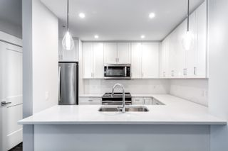 """Photo 1: 4619 2180 KELLY Avenue in Port Coquitlam: Central Pt Coquitlam Condo for sale in """"Montrose Square"""" : MLS®# R2613997"""