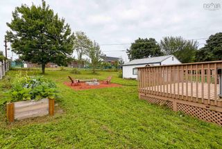 Photo 4: 15 Helene Avenue in Dartmouth: 17-Woodlawn, Portland Estates, Nantucket Residential for sale (Halifax-Dartmouth)  : MLS®# 202120622