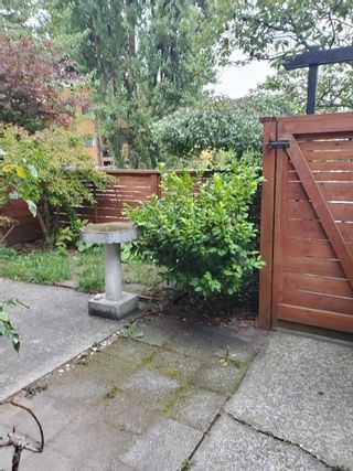 """Photo 4: 996 HOWIE Avenue in Coquitlam: Central Coquitlam Townhouse for sale in """"WILDWOOD PLACE"""" : MLS®# R2618133"""