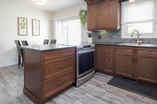 Photo 11: 122 Ridley Place in Winnipeg: Crestview Residential for sale (5H)  : MLS®# 202113822