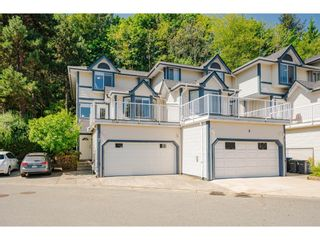 """Photo 1: 7 1560 PRINCE Street in Port Moody: College Park PM Townhouse for sale in """"Seaside Ridge"""" : MLS®# R2617682"""