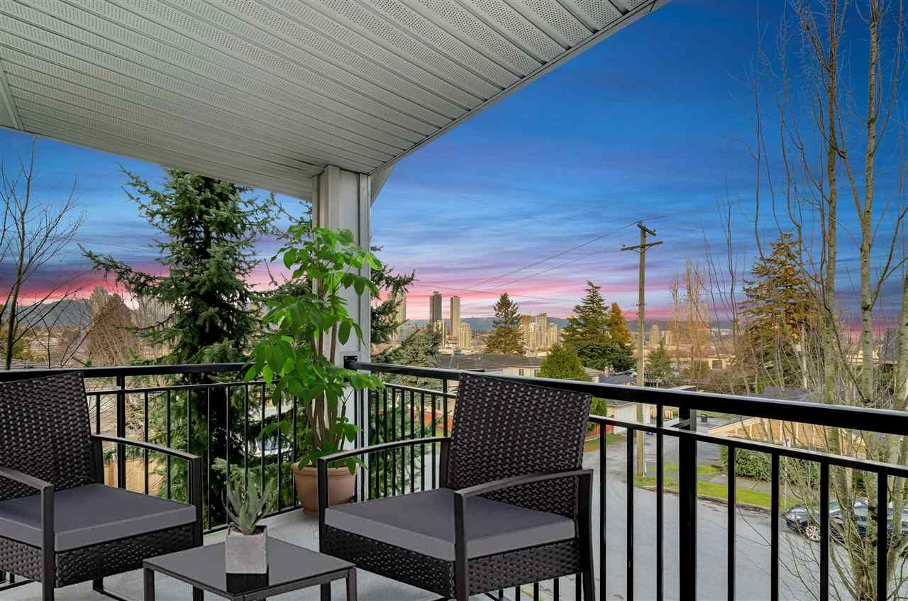 """Main Photo: 601 4025 NORFOLK Street in Burnaby: Central BN Townhouse for sale in """"NORFOLK TERRACE"""" (Burnaby North)  : MLS®# R2536428"""
