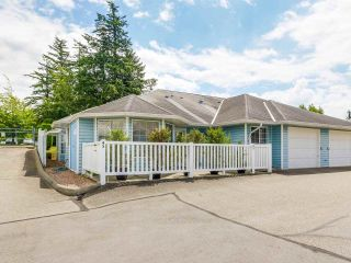 """Photo 1: 47 1450 MCCALLUM Road in Abbotsford: Poplar Townhouse for sale in """"CROWN POINT"""" : MLS®# R2181014"""