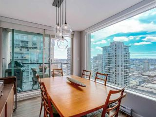 Photo 5: Vancouver West: Condo for sale : MLS®# R2077487