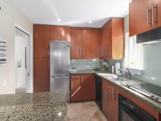 "Photo 12: 201 1595 W 14TH Avenue in Vancouver: Fairview VW Condo for sale in ""Windsor Apartments"" (Vancouver West)  : MLS®# R2488513"