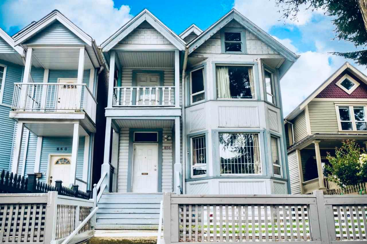 Main Photo: 856 KEEFER Street in Vancouver: Strathcona House for sale (Vancouver East)  : MLS®# R2607557