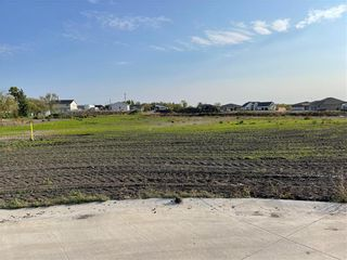 Photo 1: 89 WATERS EDGE Drive in Rosenort: R17 Residential for sale : MLS®# 202122525