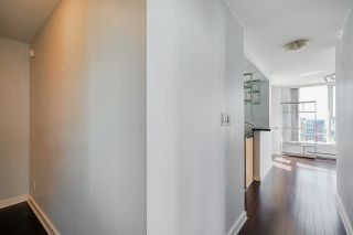 """Photo 2: 2306 550 PACIFIC Street in Vancouver: Yaletown Condo for sale in """"AQUA AT THE PARK"""" (Vancouver West)  : MLS®# R2580725"""