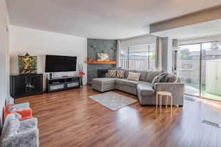 """Photo 1: 16 5850 177B Street in Surrey: Cloverdale BC Townhouse for sale in """"DOGWOOD GARDENS"""" (Cloverdale)  : MLS®# R2530905"""
