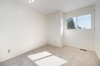 Photo 21: 452 Woodside Road SW in Calgary: Woodlands Detached for sale : MLS®# A1147030