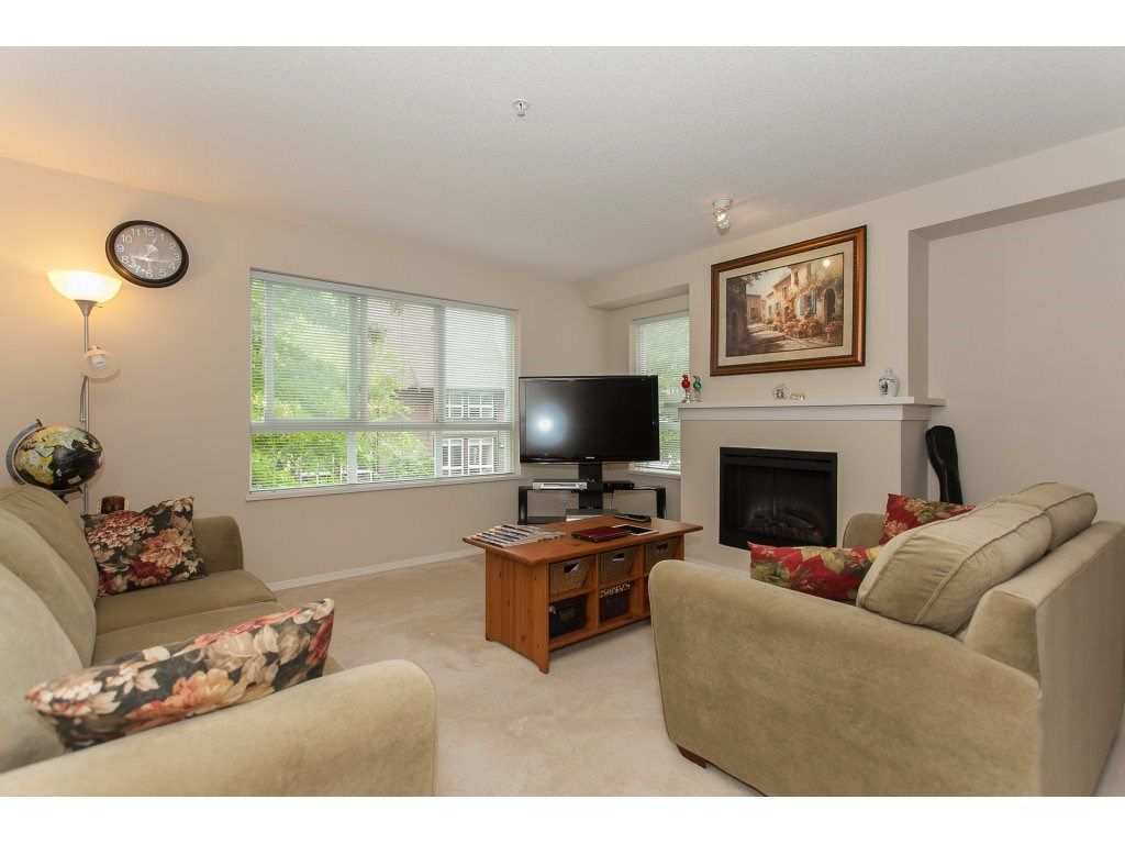 Photo 3: Photos: 48 6747 203 Street in Langley: Willoughby Heights Townhouse for sale : MLS®# R2202915