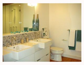 """Photo 5: 306 528 BEATTY Street in Vancouver: Downtown VW Condo for sale in """"THE BOWMAN BLOCK"""" (Vancouver West)  : MLS®# V676620"""