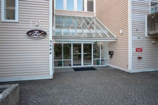 """Photo 2: 305 9644 134TH Street in Surrey: Whalley Condo for sale in """"PARKWOODS"""" (North Surrey)  : MLS®# R2613454"""