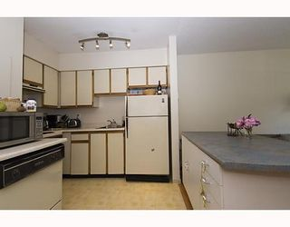 """Photo 5: 105 921 THURLOW Street in Vancouver: West End VW Condo for sale in """"KRISTOFF PLACE"""" (Vancouver West)  : MLS®# V774226"""