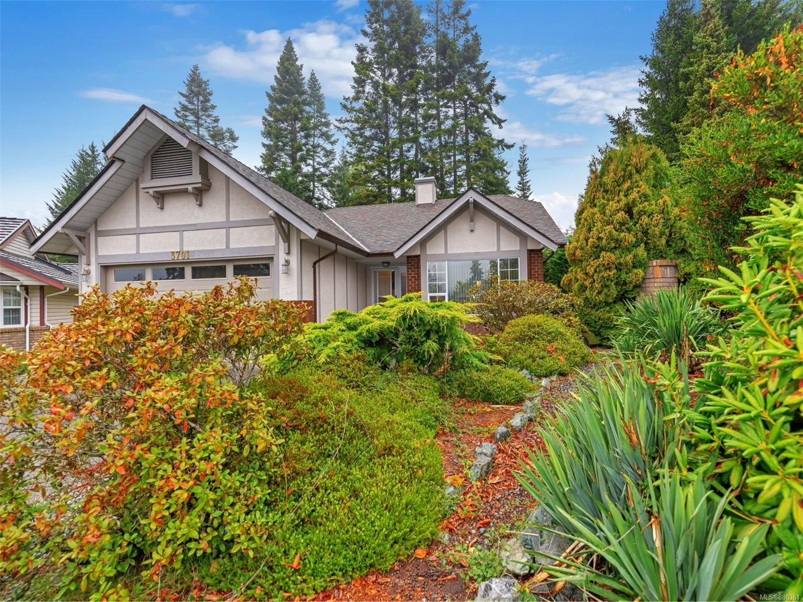 Main Photo: 3701 N Arbutus Dr in Cobble Hill: ML Cobble Hill House for sale (Malahat & Area)  : MLS®# 886361
