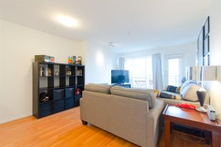 """Photo 18: 302 335 CARNARVON Street in New Westminster: Downtown NW Condo for sale in """"KINGS GARDEN"""" : MLS®# R2320982"""