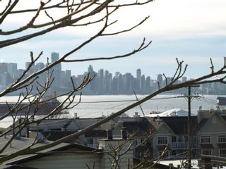 "Photo 3: 408 E 2ND Street in North Vancouver: Lower Lonsdale House for sale in ""THE JONES RESIDENCE"" : MLS®# V806455"
