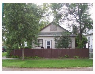 Photo 1: 902 MANITOBA Avenue in WINNIPEG: North End Single Family Detached for sale (North West Winnipeg)  : MLS®# 2713347