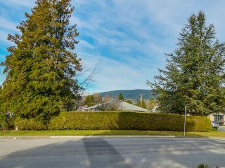 Photo 14: 925 HANDSWORTH Road in North Vancouver: Forest Hills NV House for sale : MLS®# V1110371