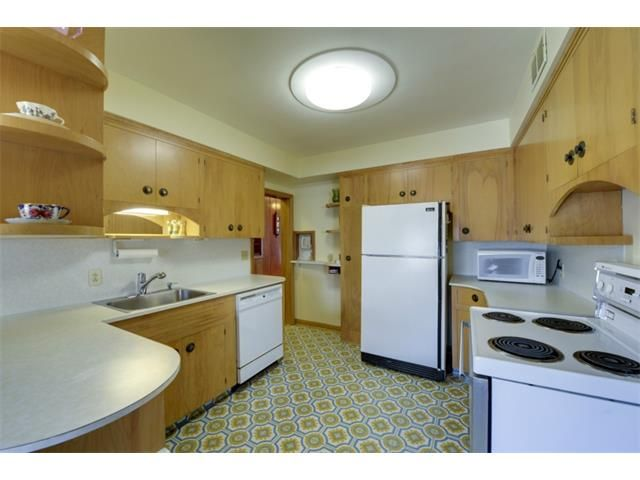 Photo 9: Photos: 2016 23 Avenue SW in Calgary: Richmond Park_Knobhl House for sale : MLS®# C4004301
