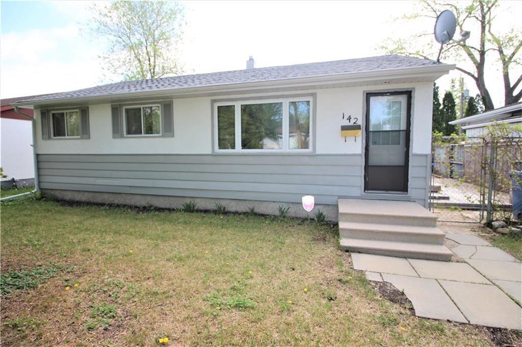 Main Photo: 142 Danbury Bay in Winnipeg: Crestview Residential for sale (5H)  : MLS®# 202112843