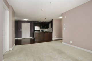 """Photo 3: 317 46150 BOLE Avenue in Chilliwack: Chilliwack N Yale-Well Condo for sale in """"NEWMARK"""" : MLS®# R2295176"""