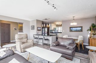 Photo 4: 243 Parkwood Close SE in Calgary: Parkland Detached for sale : MLS®# A1134335
