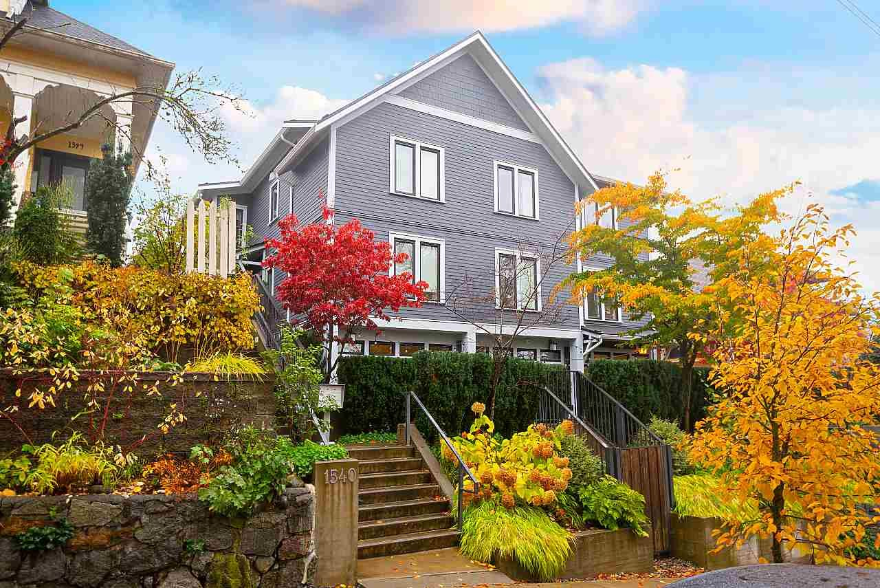 Main Photo: 7 1540 GRANT STREET in : Grandview Woodland Townhouse for sale (Vancouver East)  : MLS®# R2515360