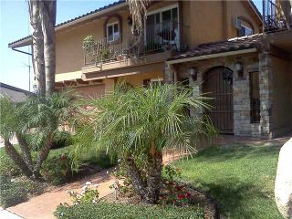 Photo 2: SAN DIEGO Condo for sale : 2 bedrooms : 4212 48th #3