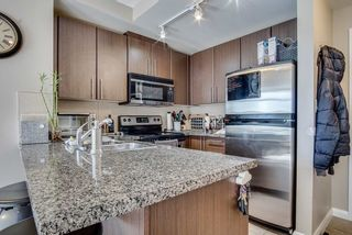 "Photo 2: 1509 892 CARNARVON Street in New Westminster: Downtown NW Condo for sale in ""Azure Li"" : MLS®# R2491135"
