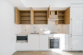 """Photo 9: 701 1688 PULLMAN PORTER Street in Vancouver: Mount Pleasant VE Condo for sale in """"NAVIO AT THE CREEK (SOUTH)"""" (Vancouver East)  : MLS®# R2532164"""