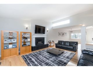 Photo 4: 2961 CAMROSE Drive in Burnaby: Montecito House for sale (Burnaby North)  : MLS®# R2408423