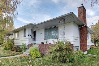 Photo 1: 2104 Victoria Crescent NW in Calgary: Banff Trail Detached for sale : MLS®# A1041397