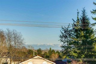 Photo 2: 15577 17A Avenue in Surrey: King George Corridor House for sale (South Surrey White Rock)  : MLS®# R2272172