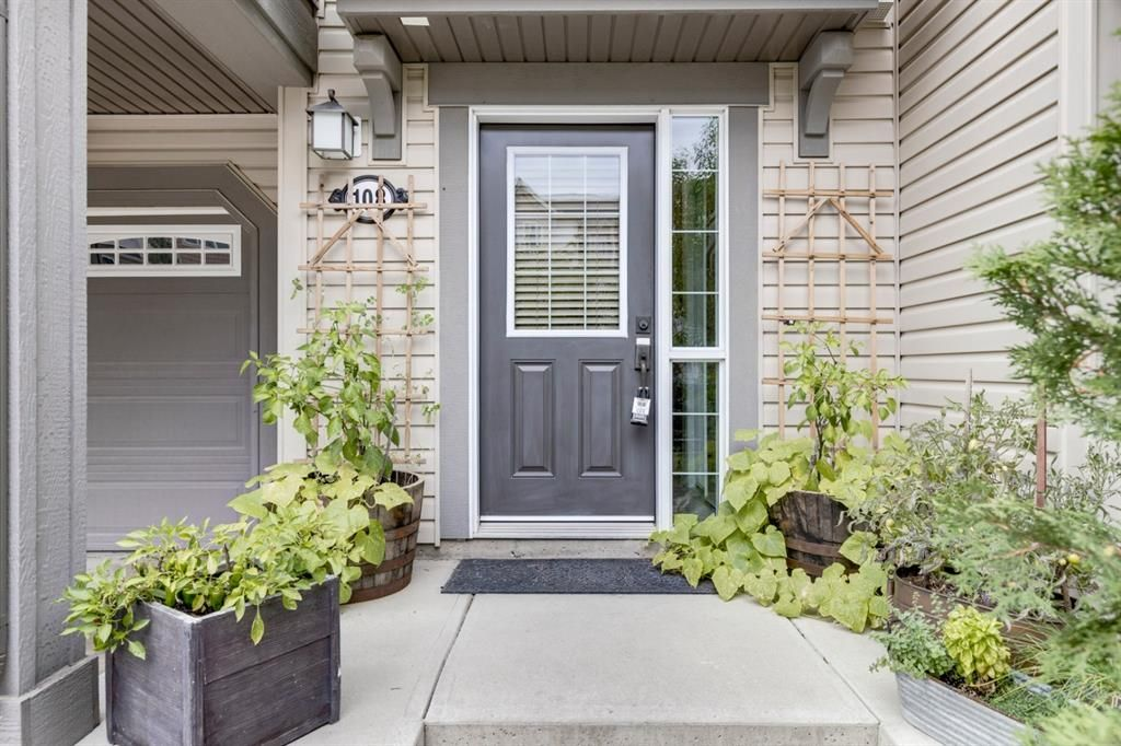 Photo 16: Photos: 108 Windstone Mews SW: Airdrie Row/Townhouse for sale : MLS®# A1142161