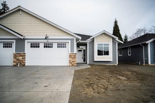 Photo 1: 22 200 Nikola Rd in : CR Campbell River West Row/Townhouse for sale (Campbell River)  : MLS®# 869034