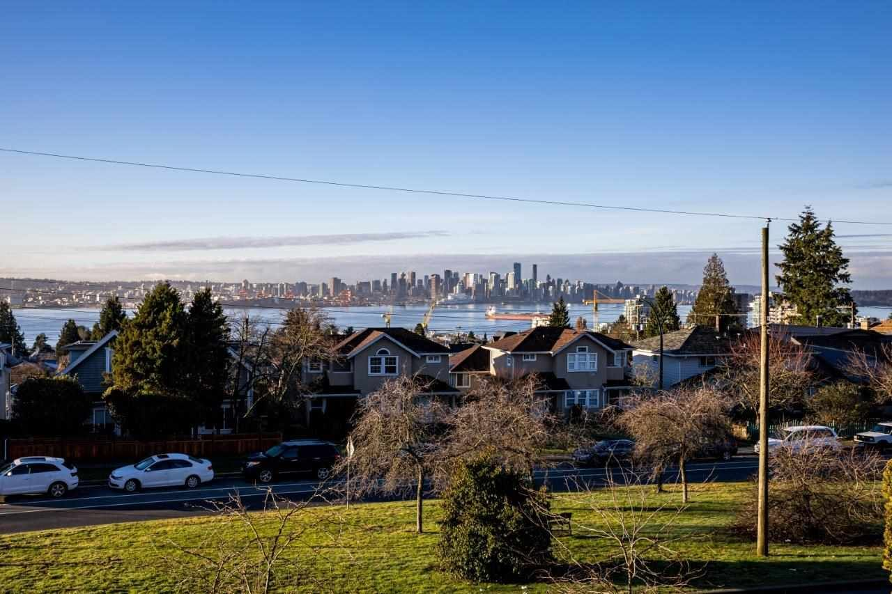 Main Photo: 336 E KEITH Road in North Vancouver: Central Lonsdale House for sale : MLS®# R2531012