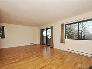 Photo 3: 6 4350 West Saanich Rd in VICTORIA: SW Royal Oak Row/Townhouse for sale (Saanich West)  : MLS®# 634889