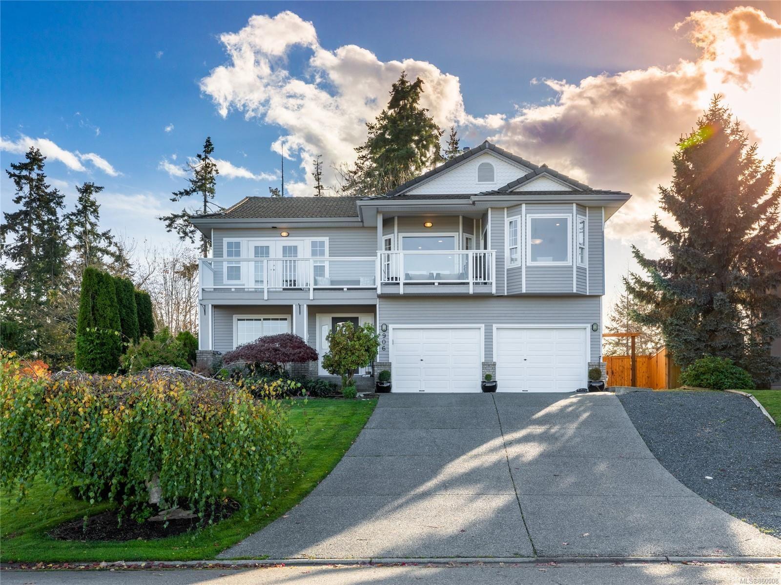 Main Photo: 906 Fairways Dr in : PQ Qualicum Beach House for sale (Parksville/Qualicum)  : MLS®# 860008