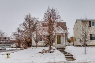 Photo 1: 4727 21A Street SW in Calgary: Garrison Woods Detached for sale : MLS®# A1092290