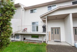 """Photo 1: 115 4035 22ND Avenue in Prince George: Pinewood Townhouse for sale in """"PINEWOOD"""" (PG City West (Zone 71))  : MLS®# R2461654"""