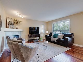 Photo 10: 54 BRIDLEPOST Green SW in Calgary: Bridlewood Detached for sale : MLS®# C4258811